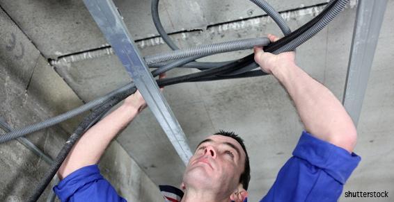Installations électriques : câblage faux plafond