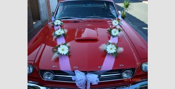 décoration de voiture pour mariage.