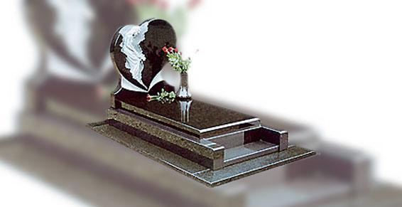 monument avec sculpture