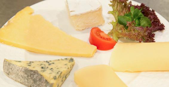 Assiette de fromages à déguster