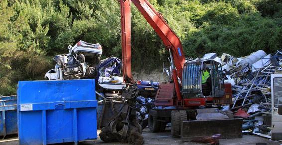 Déchets fers et métaux à La Trinité près de Monaco et de Menton (06)