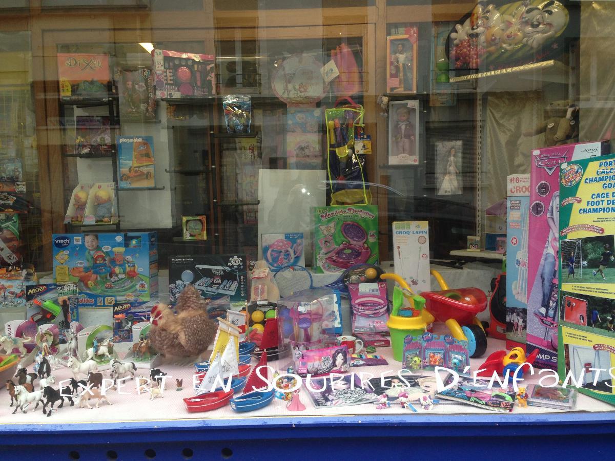 Figurines, déguisements et jeux pour le premier âge - A Noël - Joupi