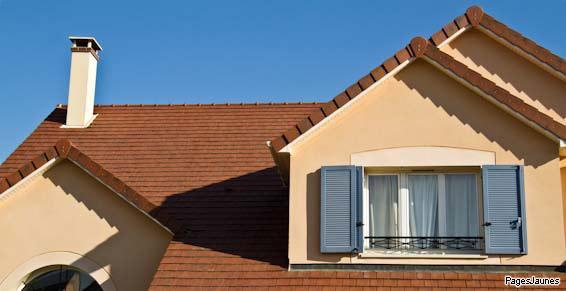 Zeymes se charge du démoussage des toitures à Rugles