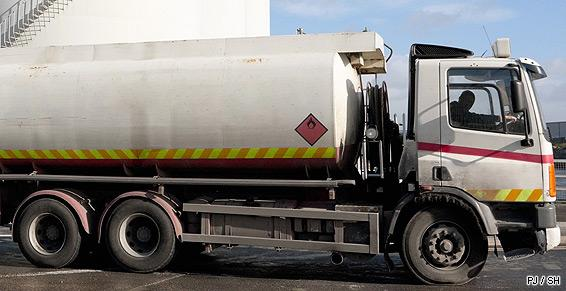Combustibles_transport_livraison_fioul_essence_diesel_SH_130208.jpg