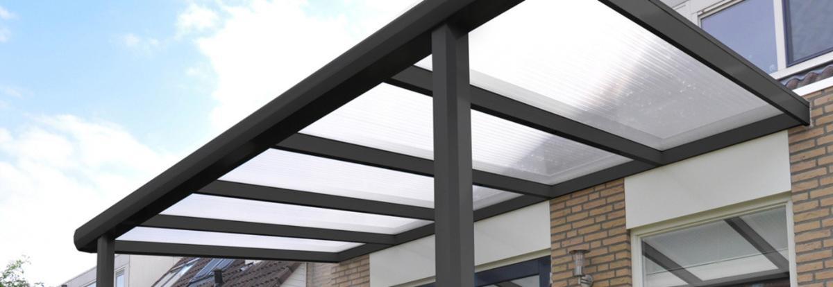 pergolas à toit rigide fixe