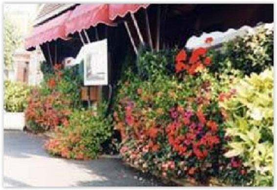 Devanture du Restaurant Dame Journe à Noyon dans l'Oise 60