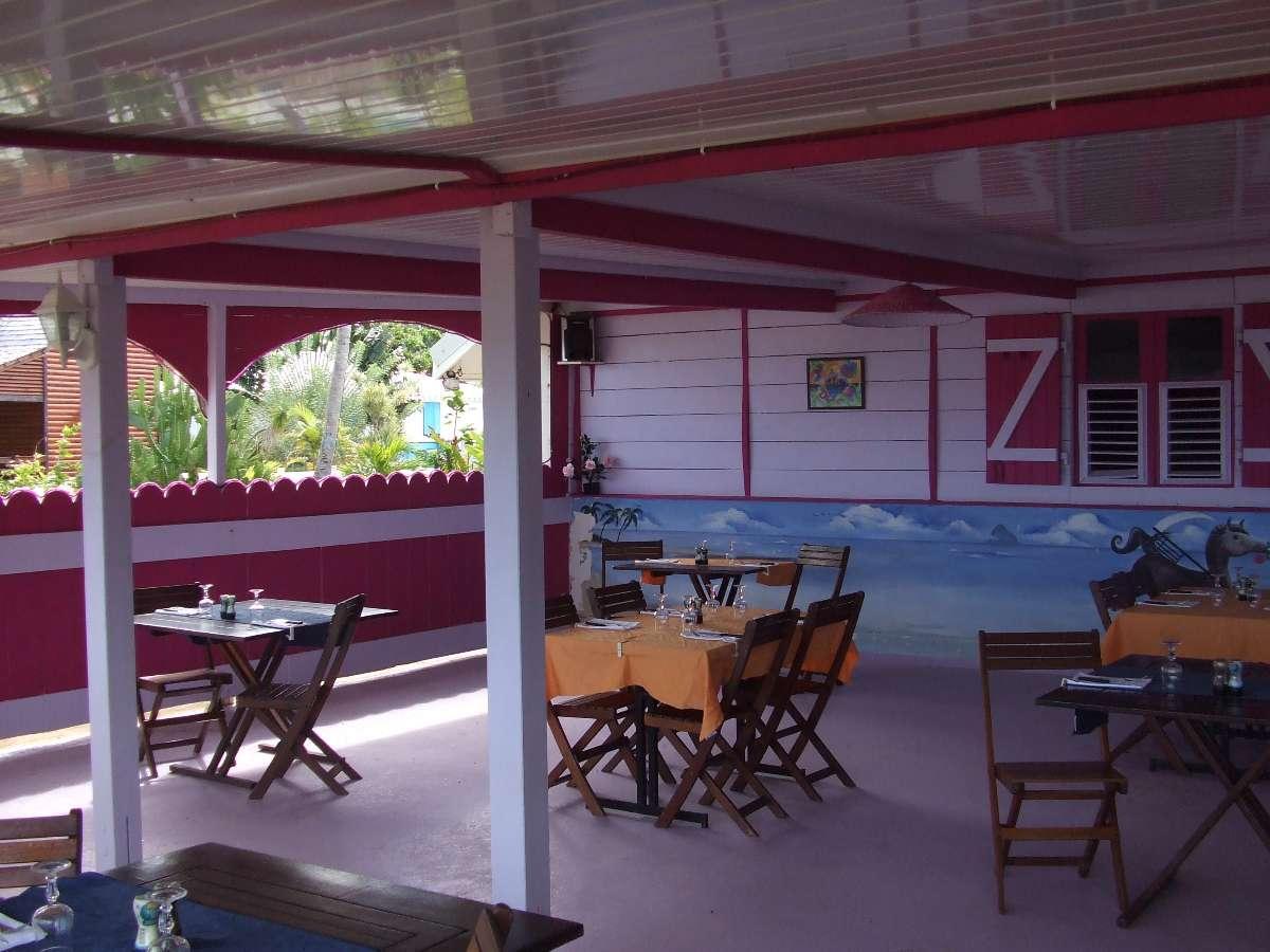 restaurant les pieds dans l'eau  Restaurant - Le Ratelot à La Trinité