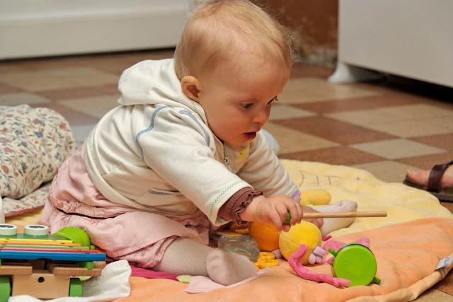 Aide à la rééducation d'un bébé à Saint-André-le-Gaz