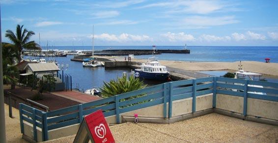 Restaurant Le Grand Large près du Port de Saint-Gilles à La Réunion