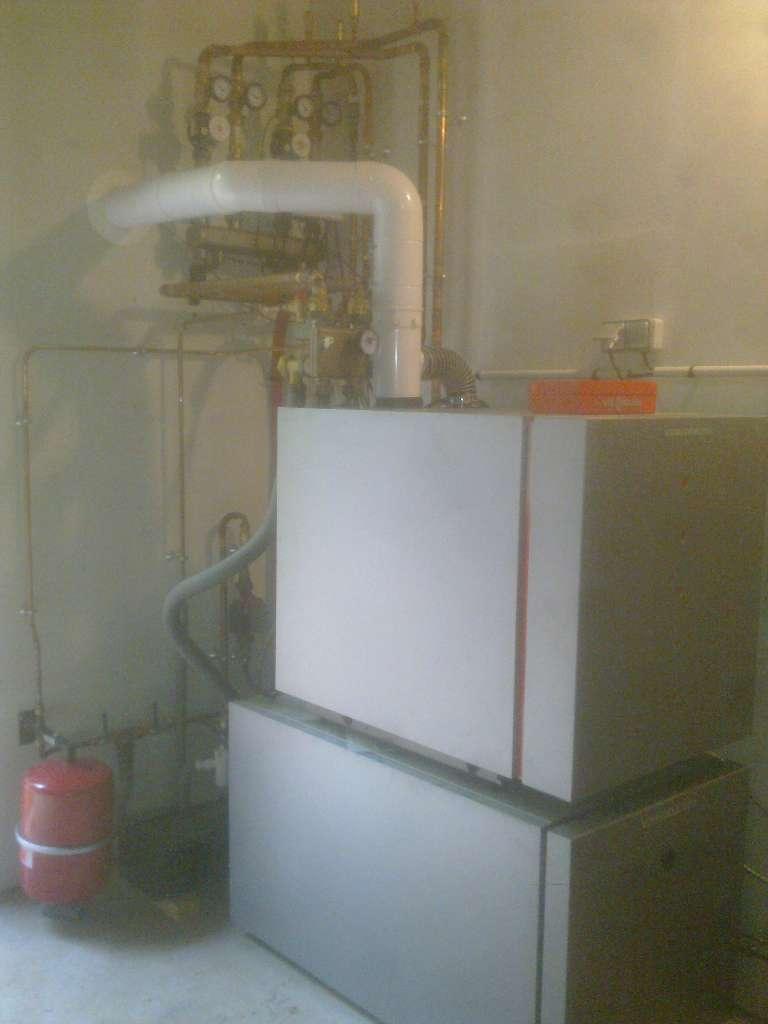 Chaudière fioul condensation avec ballon ECS 200 L à Grainville-la-Teinturière