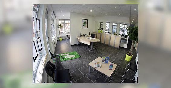 L'agence immobilière vous accueille dans un cadre moderne et dynamique