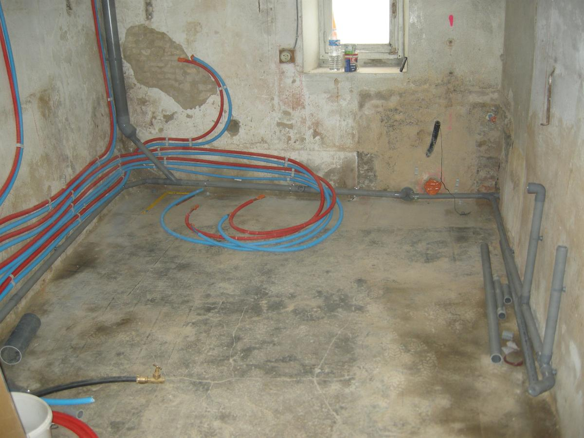Maison en rénovation par votre plombier GIANI à La Hoguette (14)