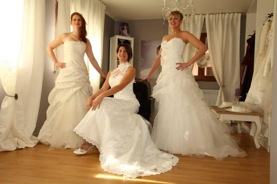 Découvrez un grand choix de robes de mariée chez Les Mariées du Moulin