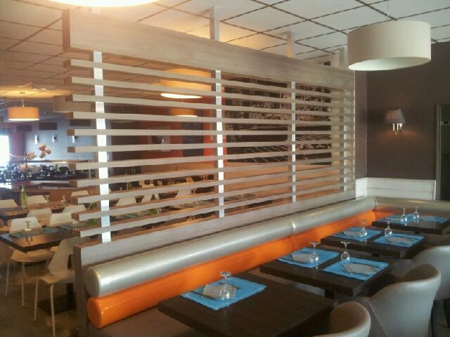 Séparation en bois pour restaurant - Huet Menuiserie Mothaise