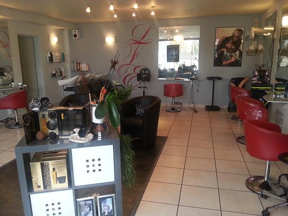 Les Femmes  S'emmêlent salon de coiffure à Montbazon