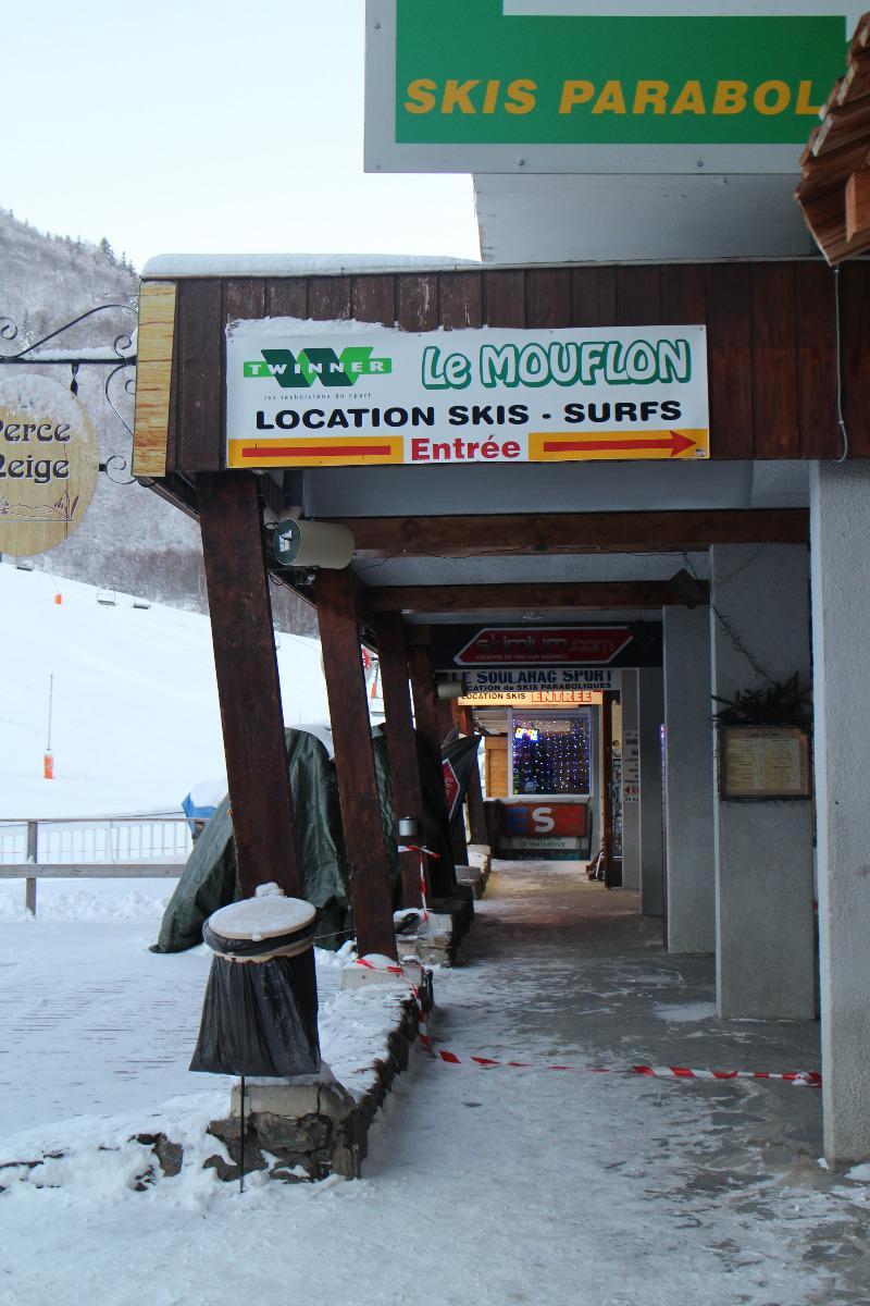 Magasin Le mouflon Entrée galerie Perce neige
