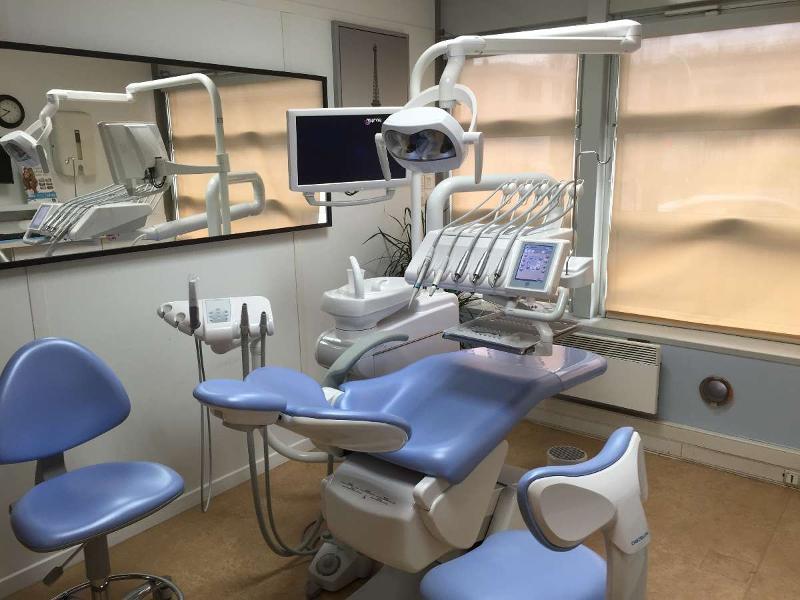 Chirurgie dentaire au Centre Médical Asnan à Épinay-sur-Seine
