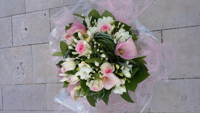 Fleurs, bouquets, compositions roses pastel