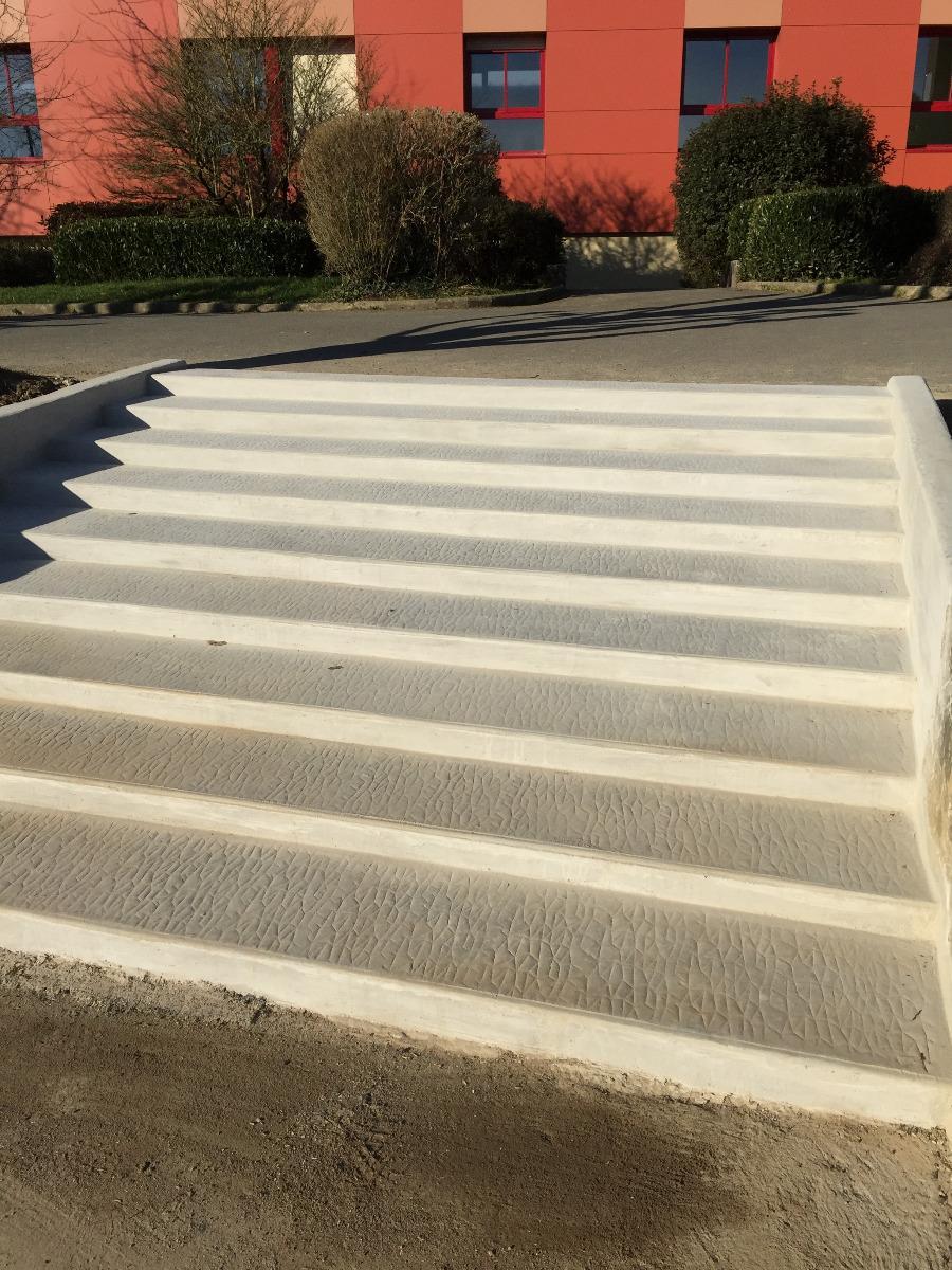 Escalier béton en extérieur Fougères
