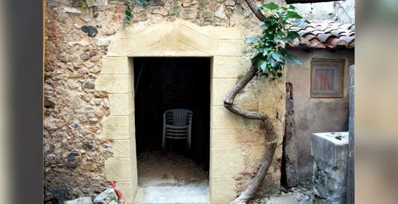 Fausses pierres dans cour intérieure Florensac - Agud et Fils