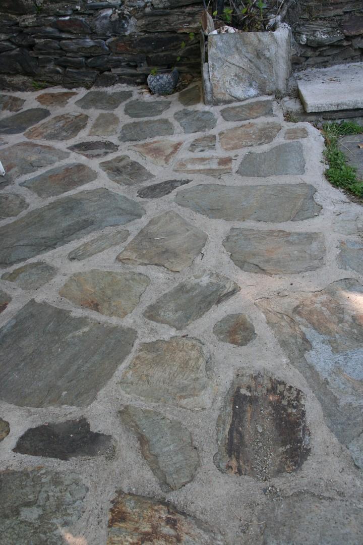 Dallage en pierre (Lauze) - Agud et Fils