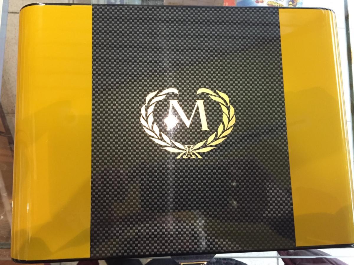 Carbone Black & Yellow Myon4