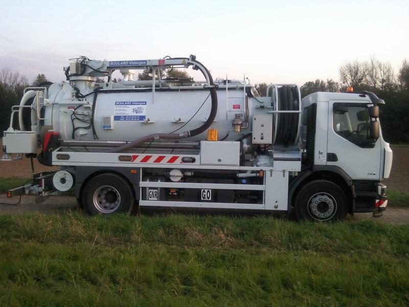 Hydrocureur de l'entreprise Boulard TP à Beaurainville