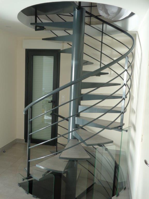 Escalier hélicoïdal particulier à Pointel