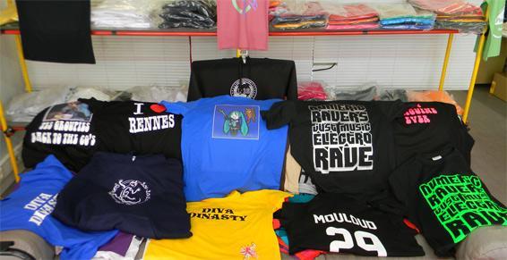 T-shirts imprimés et motifs divers