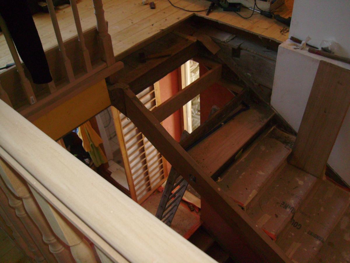 Entreprise de menuiserie générale Alexandre Éric près de Pau, création d'escalier sur-mesure
