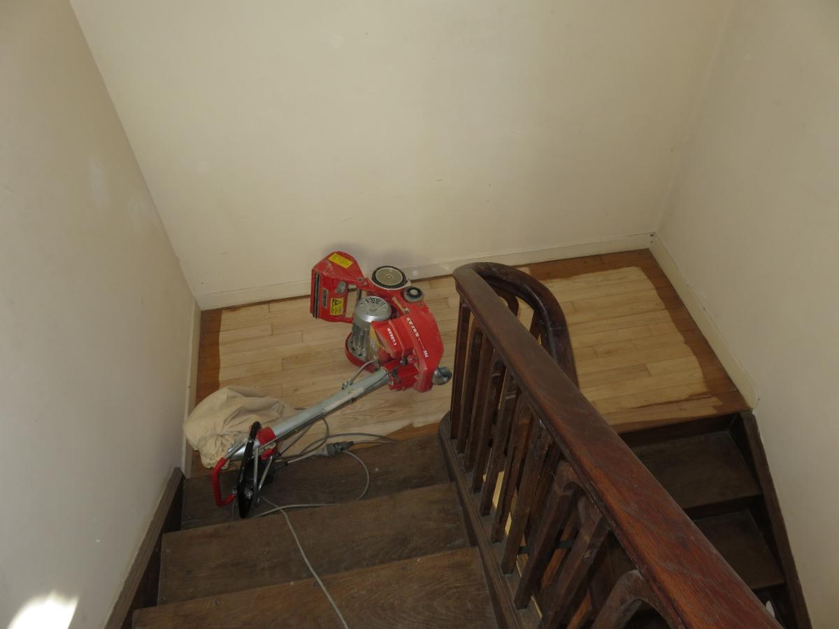 Entreprise de menuiserie générale Alexandre Éric près de Pau, restauration d'escalier en cours