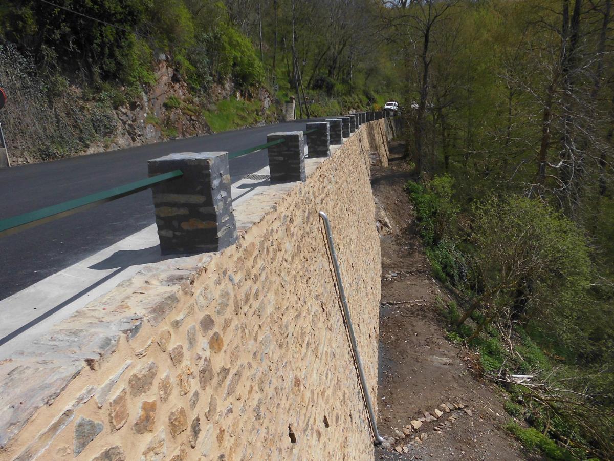 Mur soutènement de Gargilesse dans l'indre
