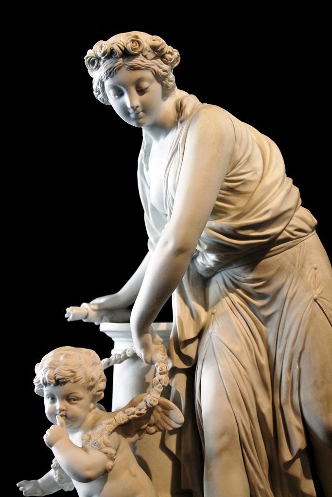 Statue Vénus Et Amour, Biscuit