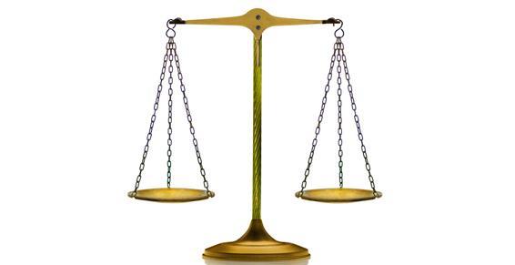 avocats - Balance à plateaux, symbole de justice