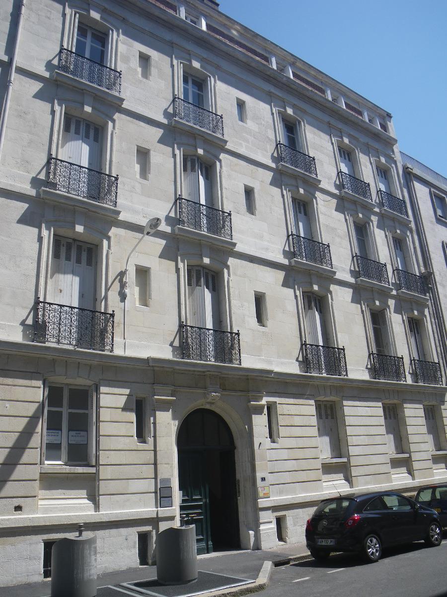 1 Rue Jacques Laffitte - façade en pierre