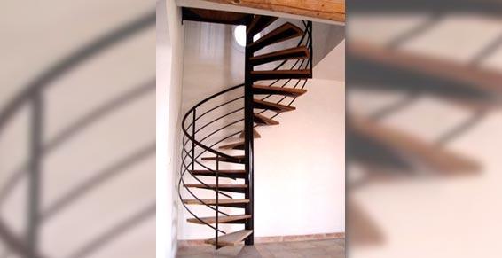 Midi Métal - Ferronnerie d'art - escalier hélicoïdal