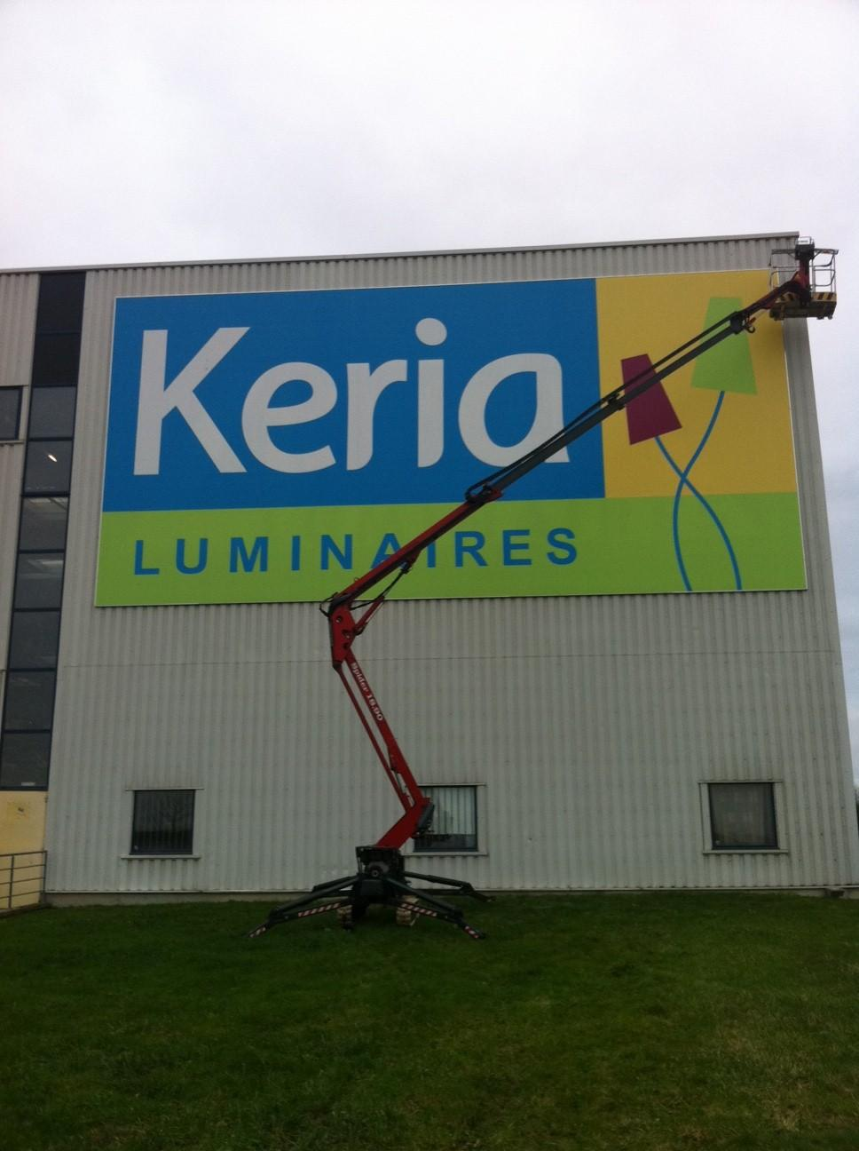 Graffiti à Recey-sur-Ource en Côte-d'Or (21) poseur d'enseignes du magasin Kéria