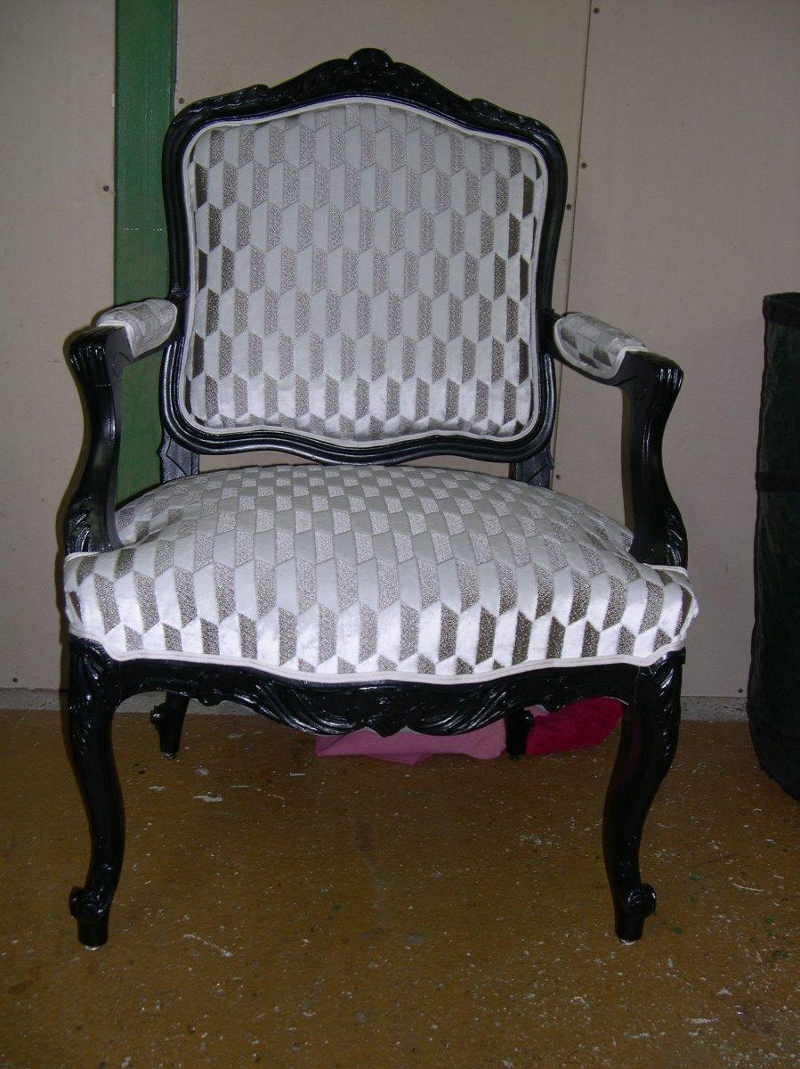 Refection Fauteuil Louis XVI avec tissus