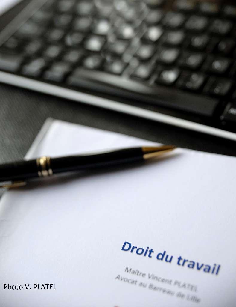 Rédaction et analyse de contrats.
