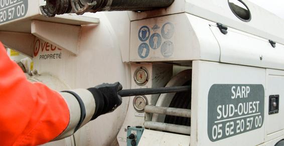 Camion surbaissé pour intervention d'urgence