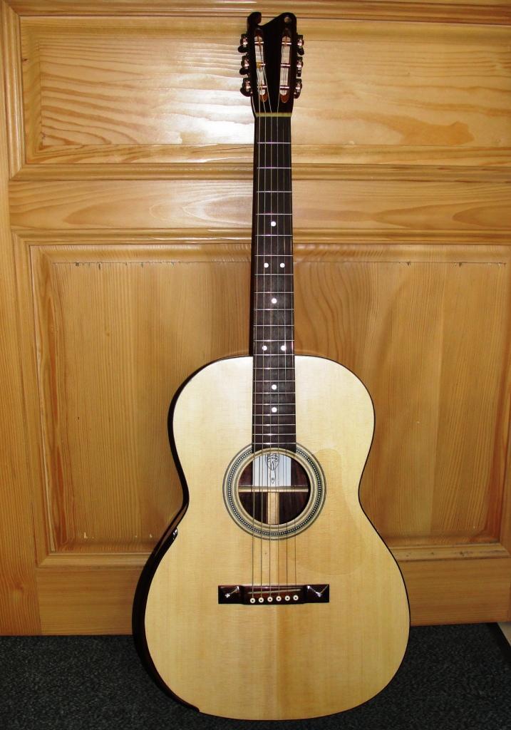 Guitare folk 000