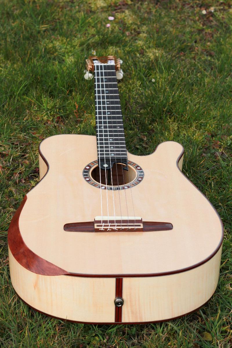 Guitare nylon GN2011157