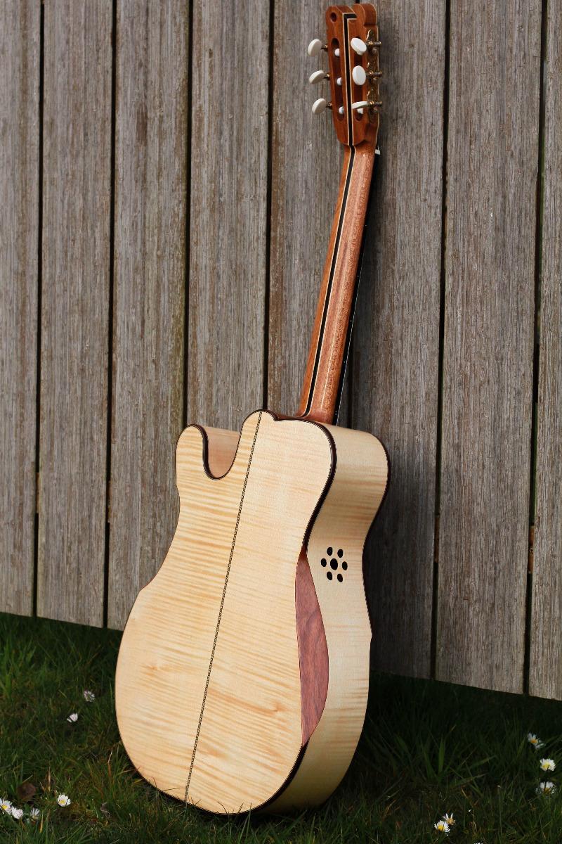 Guitare nylon GN2011154