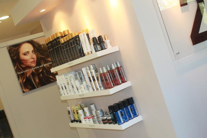 Large gamme de produits d'entretien des cheveux au salon Studio 22