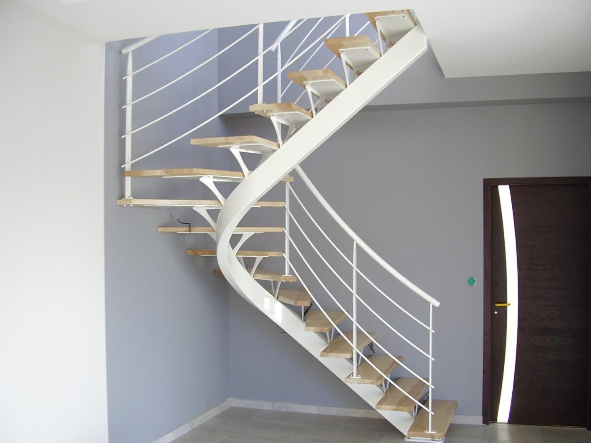 Pour votre futur escalier, pensez à Alpha Métal.