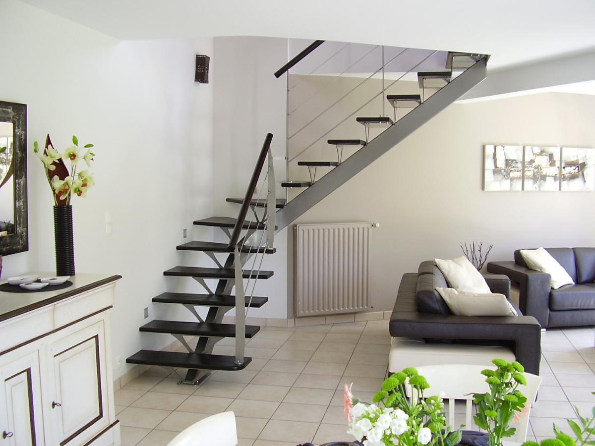 Avec Alpha Métal, dotez votre intérieur d'un escalier personnalisé.