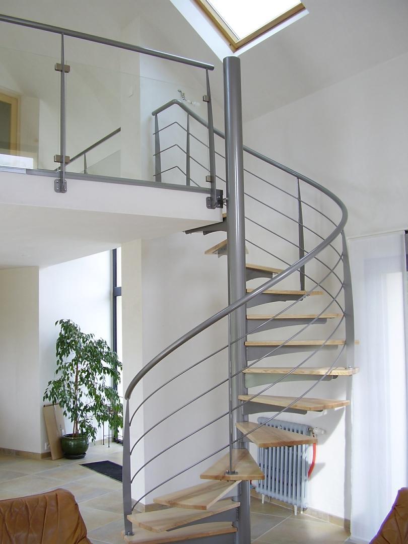 Vous trouverez chez Alpha Métal une large gamme d'escaliers mixtes