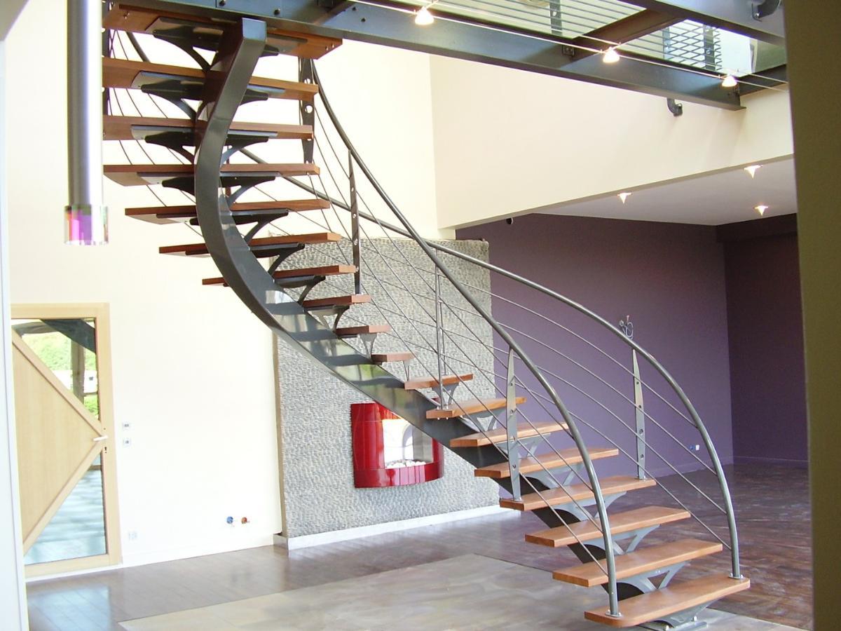 Alpha Métal, réalisation d'escaliers en bois et métal Brest