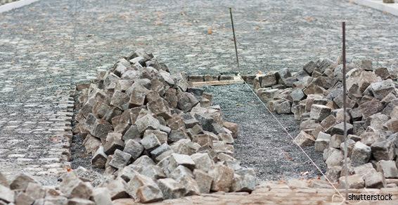 Jacky Barraud réalise les fondations de maison à La Châtaigneraie