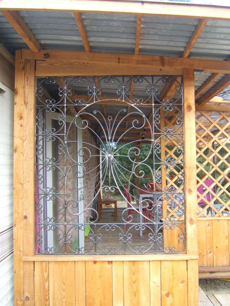 grille mobilhome  cremaillere 001